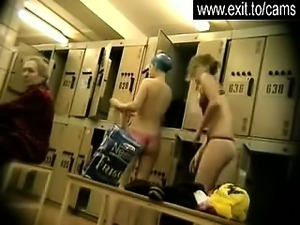 Amateurs on Candid camera in dressing room