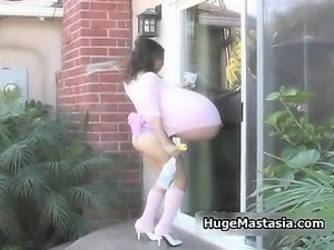 Bizarre brunette babe cleaning
