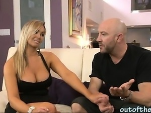Wife catches her husband ass fucking her mom on the couch