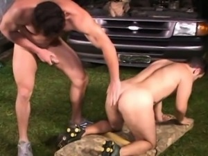 Hot Muscular dude doing some dirty jobs in the Garage