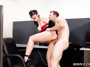 Erik Everhard makes his sturdy love stick disappear in magically sexy Jayden...