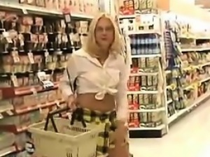 Blonde Flashes Her Pussy And Ass In Public