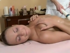 Amy Reid Starts With A Massage And Ends With A Creampie Vide
