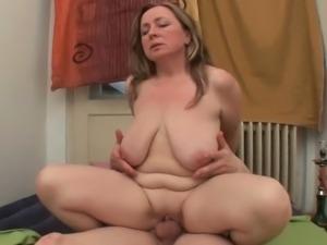 Horny moms Alona and Dagmar beg for a cumshot