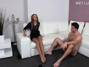 Young slut anal riding