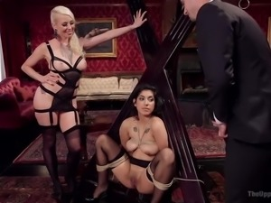 bill bailey gets to fuck two hotties