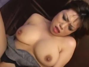 Full bosomed Waka Sato kinky threesome action