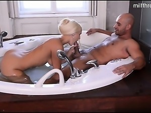 Hot wife anal squirt