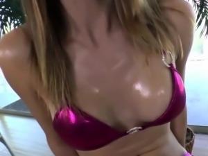 Shemale fucks fetish babe
