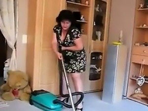 Mature Woman Vacuums Her Dirty Pussy