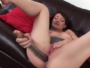 Teen Elena Is A Masturbation Expert Who Uses A Sex Toy