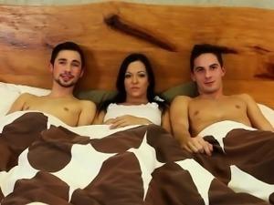 Bi trio suck fuck and cum