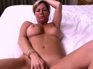Cute pornstar jizz in mouth
