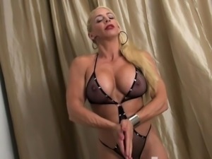 Female Bodybuilder Jill Jaxen Gets Naked