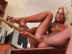 Blonde Evelyne Foxy is in the mood for carpet munching and does it with...