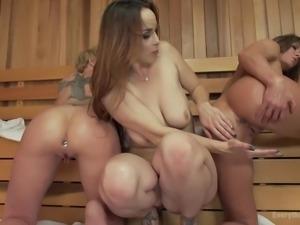 hot lesbians play dirty