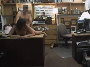 Hot wifey of a customer gets twat banged by nasty pawn man