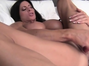 Female Bodybuilder Angela Salvagno Big Clit