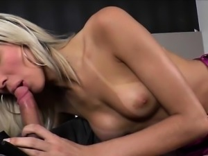 Blonde tranny Britney grinds a guys ass