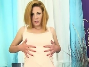 Ritta Red teasing pussy in piss wet jeans