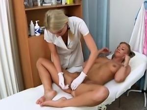 Sexy pornstar cuckold creampie