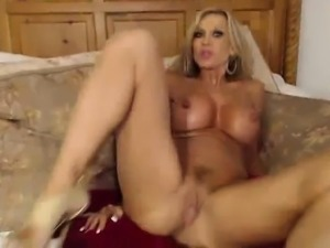 Busty Milf Webcam Slut Gets Dirty On Cam