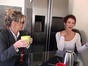 French mature Marina fucked in stockings