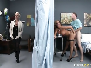 Doctor gets to bang Richelle Ryan