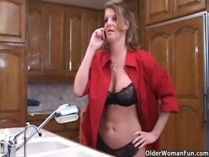 Soccer mom opens her mouth for cum free