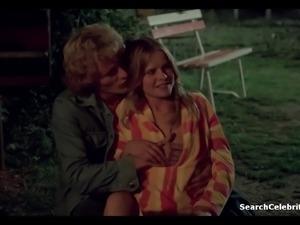 Monica Zanchi - Hitch Hike