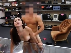 College girl nailed by horny pawn dude to earn extra money