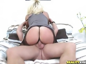 Blonde is curious about taking cumshot on her eager face