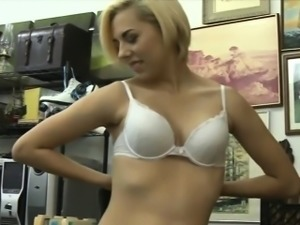 Hot babe pawns her BFs speaker and fucked at the pawnshop
