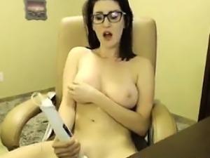 Cute Teen Nerd Masturbates