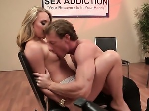 Blonde pornstars is really getting licked