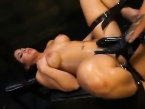 Hot mistress makes big boobed Alexa Pierce cums savagely