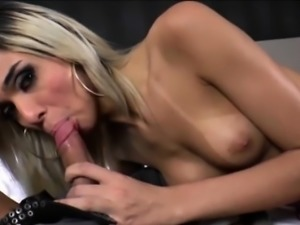 Glamour shemale Britney Colucci fucked for a mouthful of cum