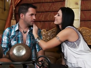Skinny India Summer gets her milf pussy licked