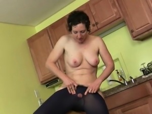 Mom\'s kitchen is a hotbed of horniness