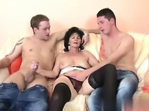 Granny with thirsty vagin - I am from CHEAT-DATE.COM