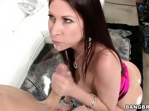 Tiffany Mynx gets her sweet ass licked after headjob