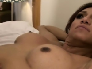 Sensual tranny cocksucked and rimmed