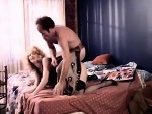 Samantha Morgan, Serena, Elaine Wells in classic sex clip