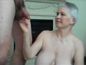 naughty-hotties.net - geile Mutter.