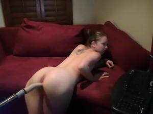 Hot Teen Webcam Girl Rides Fuck Machine
