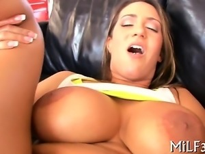 Mother i'd like to fuck is riding on stud's rod zealously