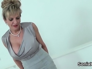 Unfaithful british mature lady sonia displays her large jugs
