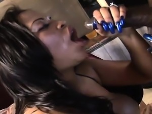 Phat ass BBBW with big tits eats black meat and takes it in the cootch