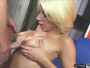 Blonde bombshell Tessa Taylor enjoys getting drilled deep from behind