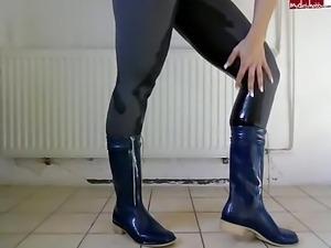 Pee through my leggins